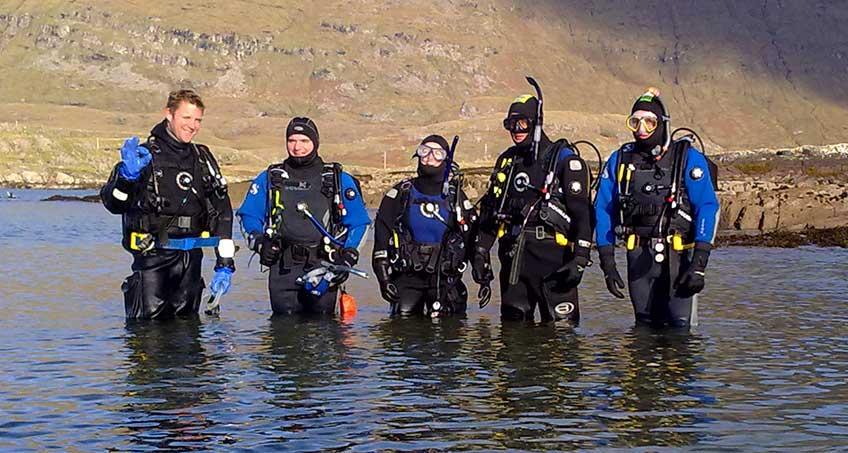 Drysuit divers